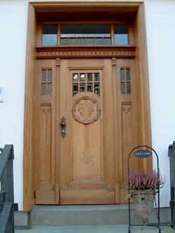 Haustüren holz antik  Antik Berger | Haustür Restaurierung | Haustür Sanierung | Haustür ...